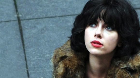 under-the-skin-scarlett-hot1