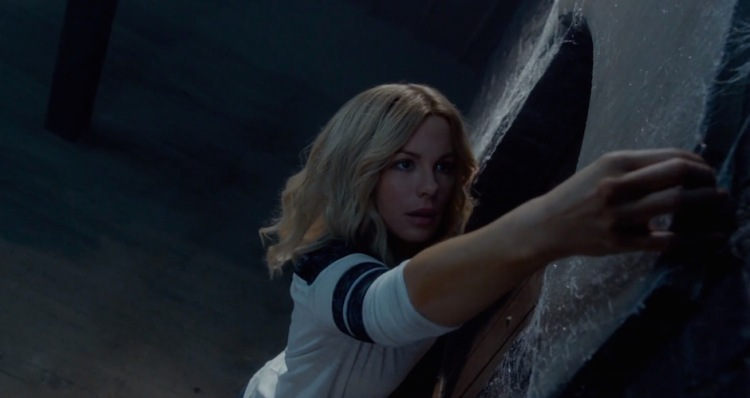 The-Disappointments-room-2