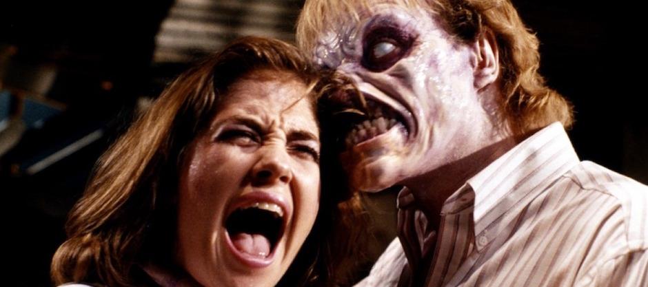 evil-dead-2-zombie